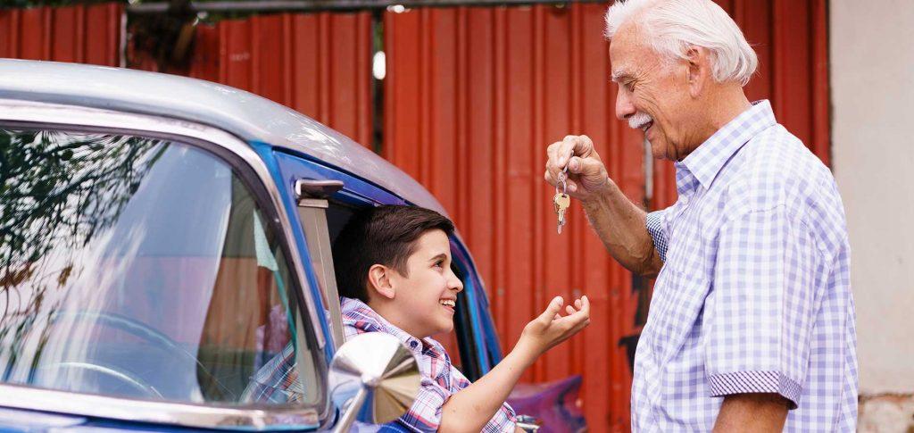 10-19-grandparent-kid-car